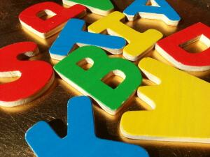 educazioneglobale puzzle lettere in legno